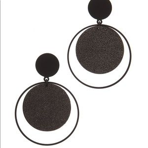 DOUBLE CIRCLE LINKED POST DROP EARRING